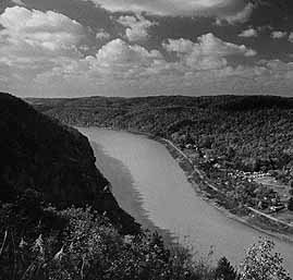 Brady's Bend, Allegheny River photo